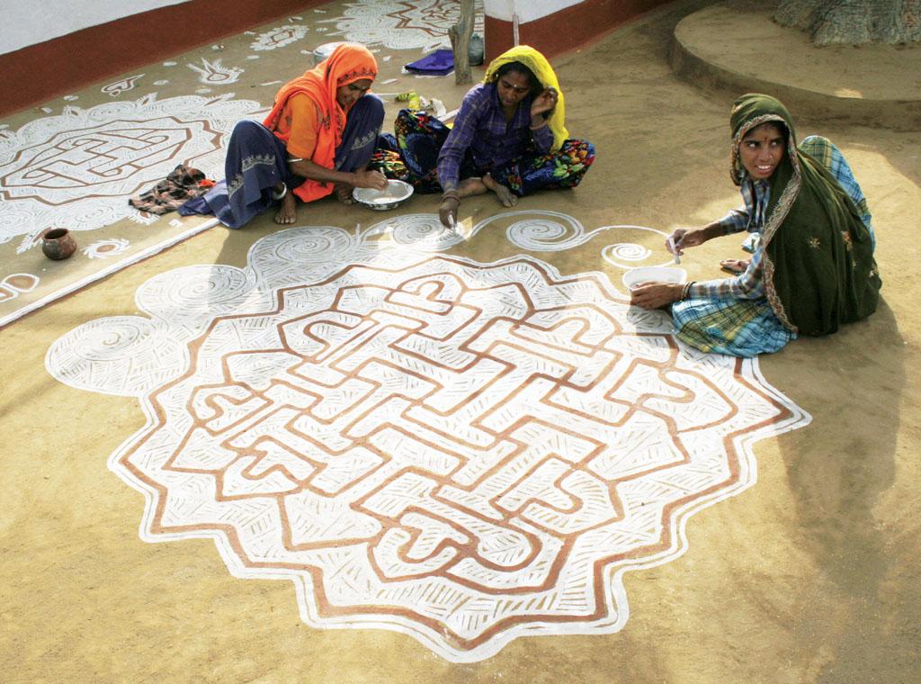 13 mandana rangoli design by lakhi chand jain