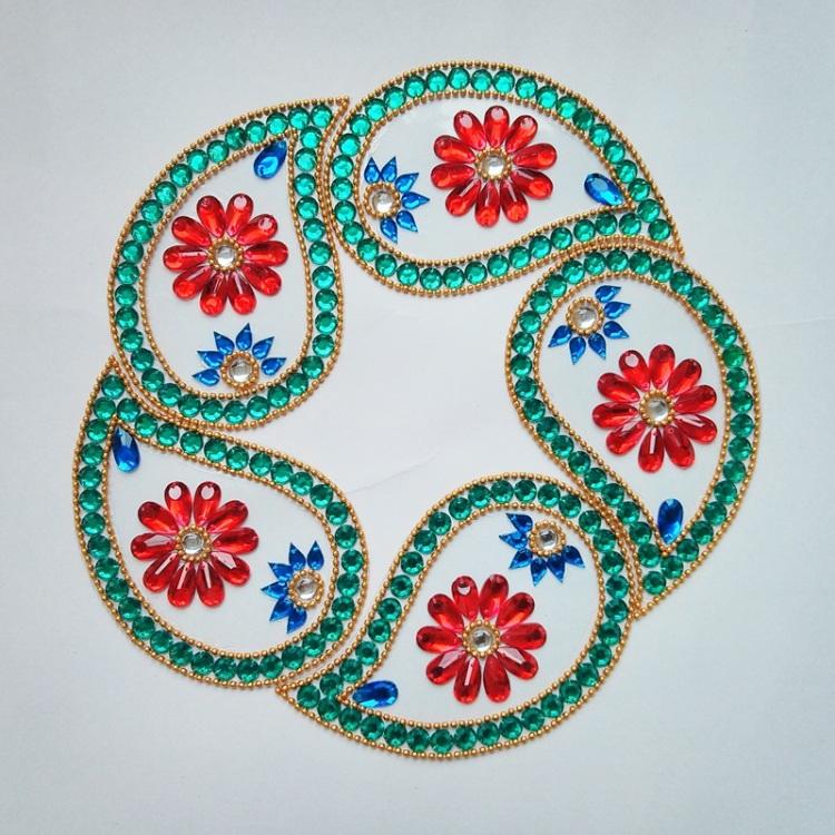 7 kundan rangoli design by neeta