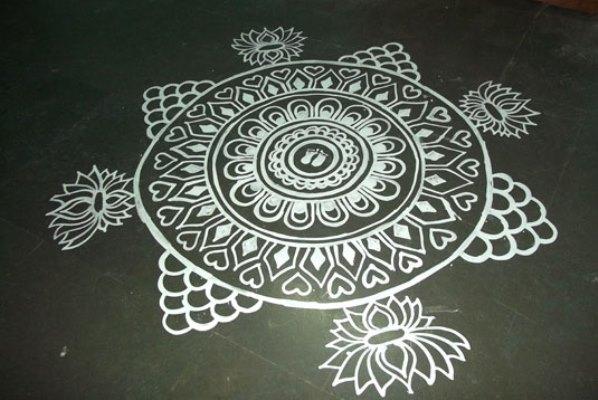 8 saraswati puja alpana design