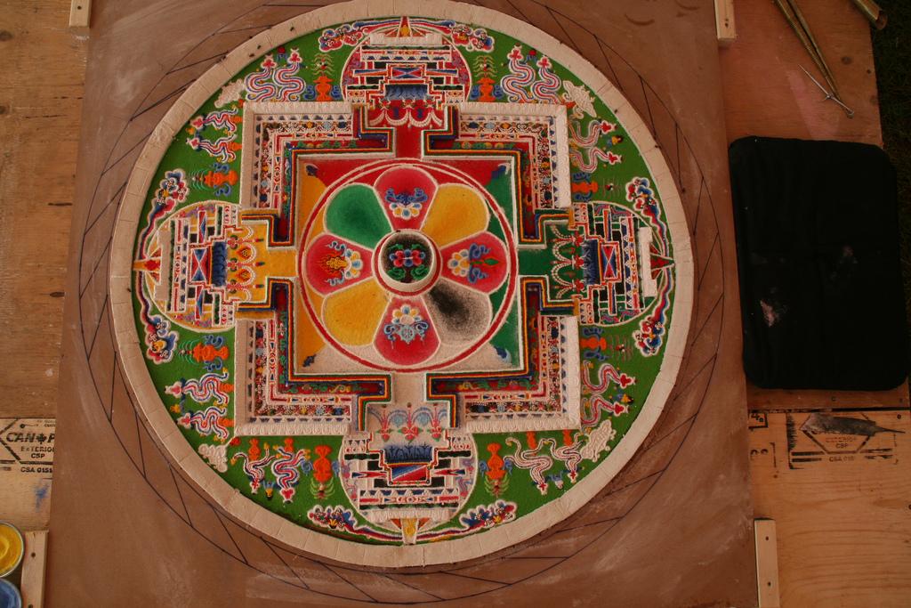 tibetan sand painting rangoli design